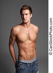 estúdio, retrato, de, chested nu, muscular, homem jovem