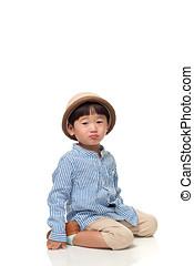 estúdio, retrato, de, um, sentando, e, pounded, leste asian, criança masculina