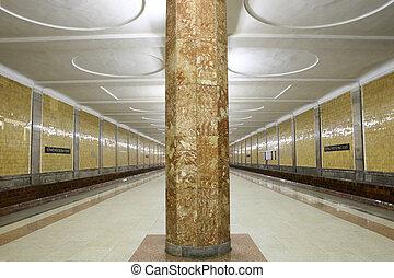 estación de subterráneo, 3
