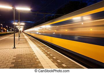 estación de tren, salida
