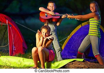 estate, adolescente, bambini, campeggiare, divertimento, detenere