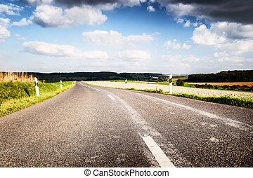 estate, cielo, strada, nuvoloso