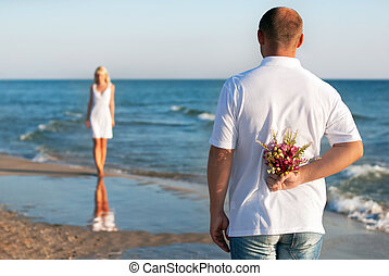 estate, donna, suo, romantico, mazzolino, coppia, valentines, -, o, attesa, concetto, fiore, mare, matrimonio, uomo, datazione, spiaggia, giorno, amare