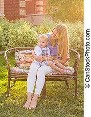 estate, famiglia, natura, Abbracciare, bacio, madre, bambino, Felice