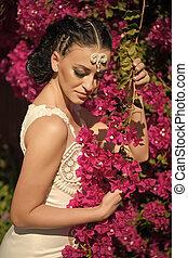 estate, moda, capelli, brunetta, trucco, ragazza, vestire, sensuale, garden., day., flowers., bianco, donna, bellezza, look., atteggiarsi, fascino, giorno matrimonio, celebration., fioritura, sposa, modello, womens