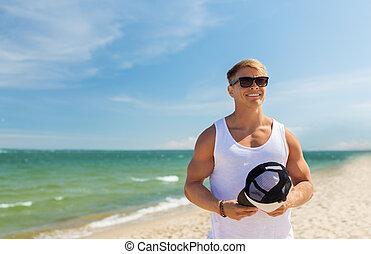 estate, occhiali da sole, giovane, sorridente, spiaggia, uomo