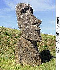 estatua de moai, en, isla de pascua, chile