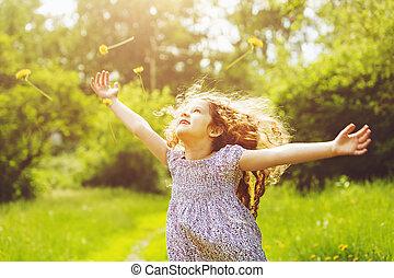 estendido, dandelion, voando, braços, amarela, criança, ...