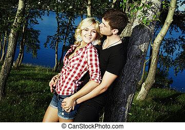 esterno, amore, coppia, parco, abbracciare, ritratto