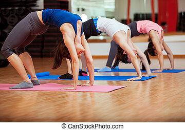 esticar, saída, para, classe ioga
