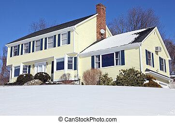estilo colonial, casa, en, invierno