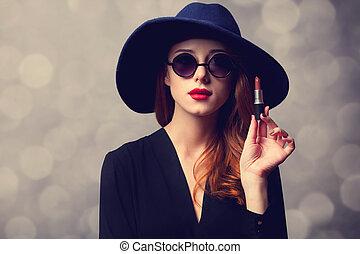 estilo, ruivo, mulheres, com, óculos de sol, e, lipstick.