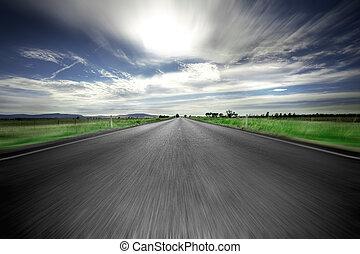 estrada, à frente
