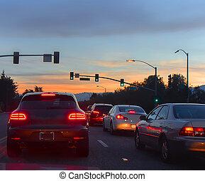estrada, com, carros, em, noite, tráfego