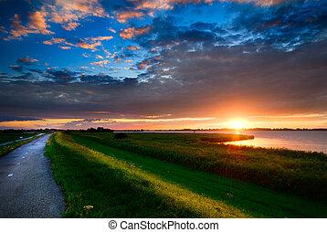 estrada rural, e, pôr do sol