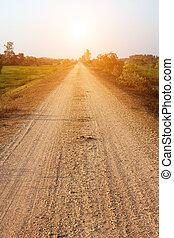 estrada rural, sunset.
