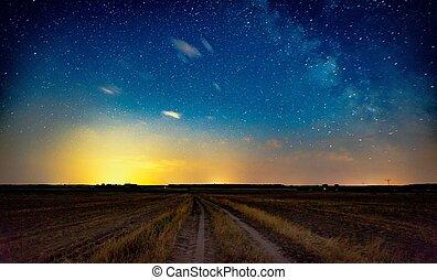 estrelado, céu noite, sobre, rural, arenoso, estrada
