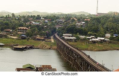 estructura, de, lo más de largo posible, puente de madera, en, viejo, imagen