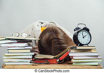 estudante menina, com, óculos, leitura, livros
