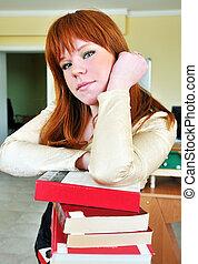 estudante, menina, com, pilha livros