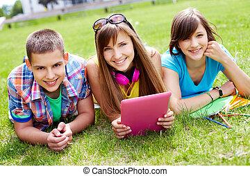 estudantes, ao ar livre
