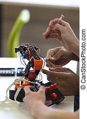 estudantes, braço, trabalhando, robotic