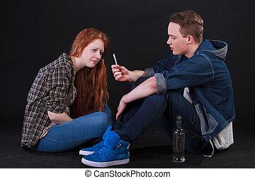 estudantes, cigarro, bebendo, álcool, fumar