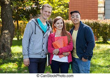estudantes, diverso, feliz