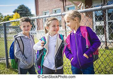 estudantes, ficar, exterior, escola, junto