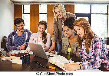 estudantes, grupo, ensinando, biblioteca, professor
