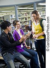 estudantes, jogadores, faculdade, biblioteca, música