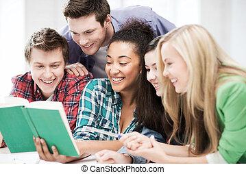 estudantes, livro leitura, em, escola