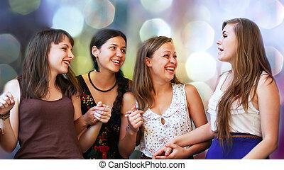 estudantes, meninas, em, conversação