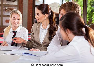 estudantes, professor, interação
