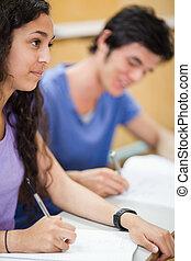estudantes, retrato, sorrindo, escrita
