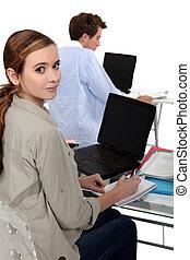 estudantes, usando computador portátil, computadores, com, em branco, telas