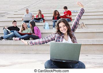 estudiantes, campus, trabajando, aire libre