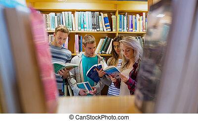 estudiantes, libro de lectura, en, el, colegio, biblioteca