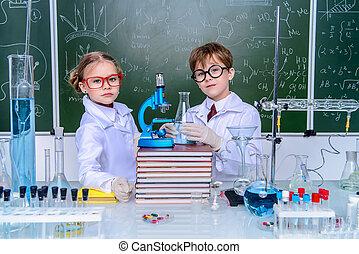 estudiantes, marca, experimentos
