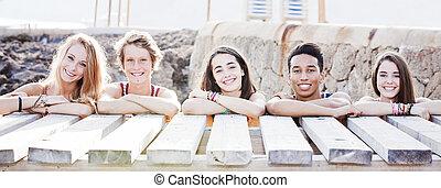 estudiantes, multi racial, vacaciones