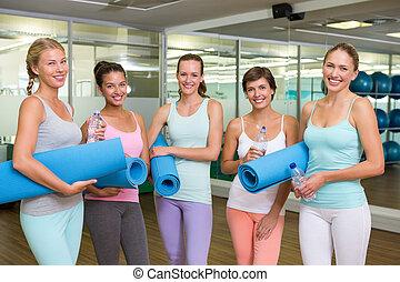 estudio, sonriente, mujeres, bef, condición física