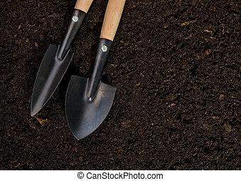 eszközök, talaj