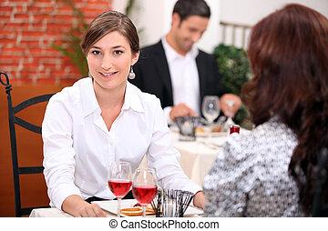 etende vrouw, restaurant