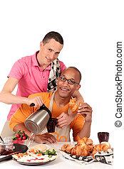 ethnicity misturado, par alegre, cozinha