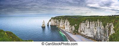 etretat, aval, penhasco, e, pedras, marco, e, oceânicos, ., normandy, france.