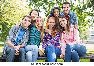 etudiants collège, parc, jeune