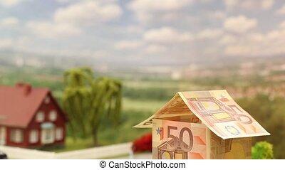 Euro house tilt down
