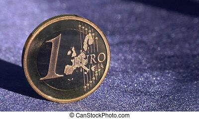 euro to dollar crane move