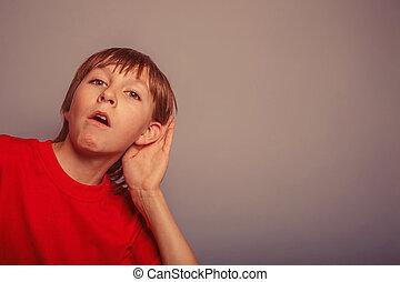 europæisk, tilsynekomst, dreng, overhears, en, decade, interesse, øre, på, g