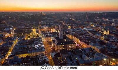 européen, vieux, ukraine, sunrise., vol, au-dessus, lviv,...